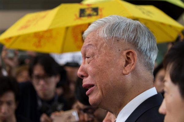 El pastor Chu Yiu-ming, ante el Tribunal de Kowloon Oeste, en Hong Kong.
