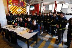 Rueda de prensa de la dimisión de la cúpula de bomberos.