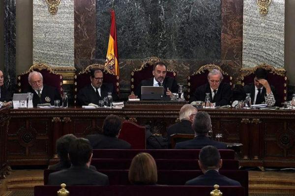 El tribunal del juicio del 1-O, durante la sesión de hoy.