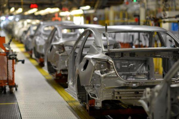 Una línea de montaje en la planta de Nissan Motor en Smyrna, Tennessee.