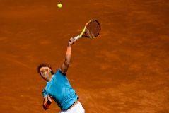 Rafa Nadal sufre como nunca para ganar en su debut en el Godó