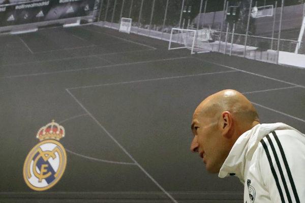 Zidane, antes de la rueda de prensa en Valdebebas.