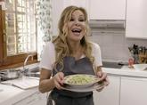 La polifacética Ana Obregón durante el 'reality' culinario de Cuatro...