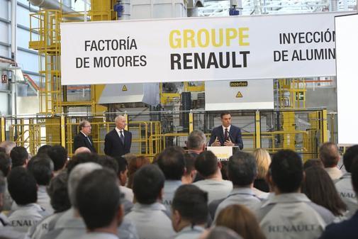 Pedro Sánchez visita a la factoría de Reanult en Valladolid.