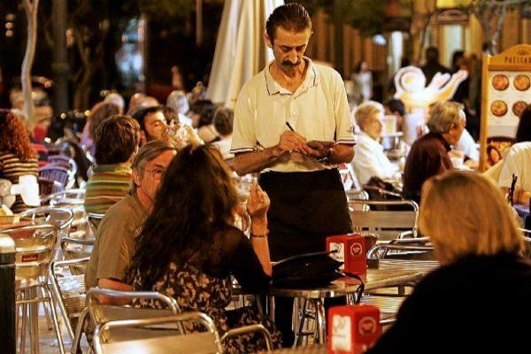 En Baleares hay 516.100 empleados, 27.400 más que hace un año