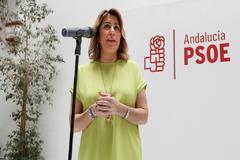 La secretaria general del PSOE andaluz, SusanaDíaz, este miércoles en la sede del partido en Sevilla en su comparecencia ante la prensa.