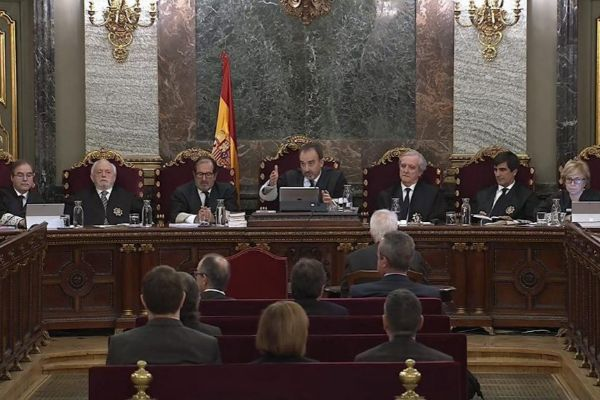 El juez Manuel Marchena y los miembros del tribunal que preside en el juicio del 1-O.
