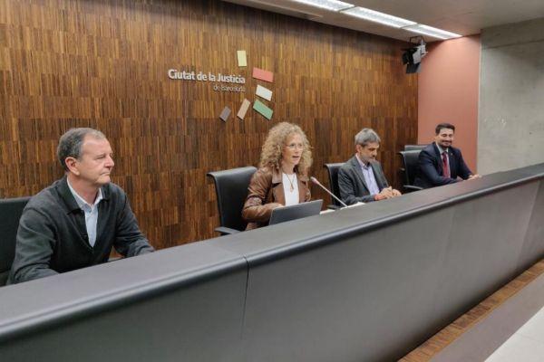 Caso junto a González de la Ribera; Roberto García, y Mariano David García