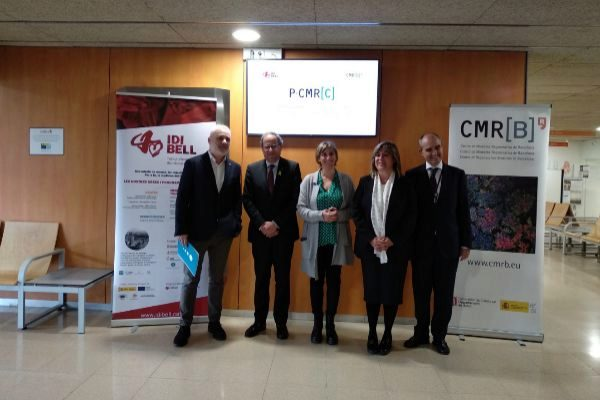 La consellera de Salut, el president de la Generalitat y la alcaldesa de L'Hospitalet, durante la presentación del programa