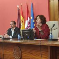 Irene Lozano, en el Congreso del Foro de Profesores, junto a su organizador, Alfonso Valero.