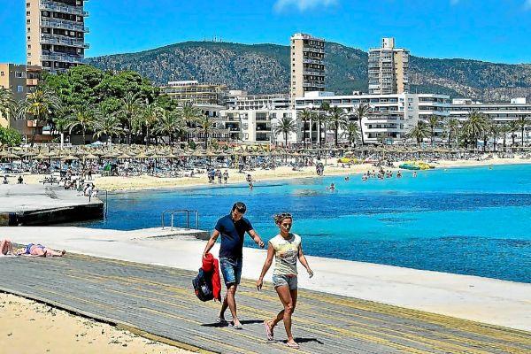 Calvià es uno de los municipios de Mallorca donde hay más plazas turísticas que habitantes.