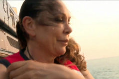 25/04/2019. Fotograma del programa de televisión 'Supervivientes' de Telecinco. La cantante Isabel <HIT>Pantoja</HIT> tirandose del helicoptero para comenzar el concurso