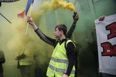 Macron no convence a los 'chalecos amarillos'