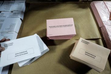 Sobres y papeletas listos para las elecciones del 28-A.