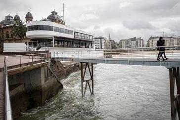 Exterior de una conocida discoteca de San Sebastián donde se produjo el suceso.