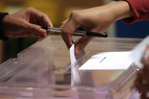 Lo que va de votar, votar en blanco o quedarse en casa