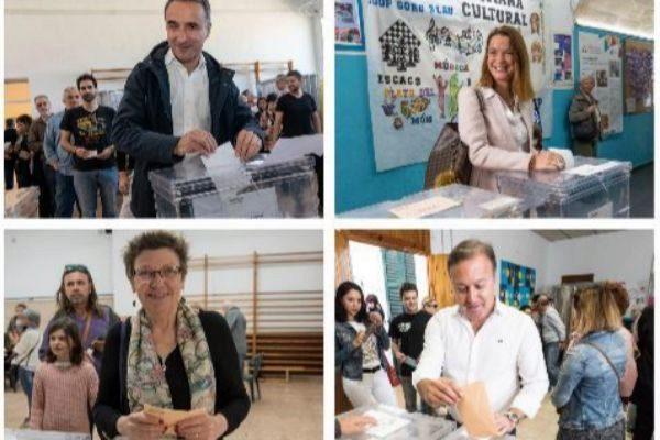 Pere Joan Pons, Marga Prohens, Antònia Jover y Joan Mesquida votando. ALBERTO VERA, J. SERRA Y LLITERES