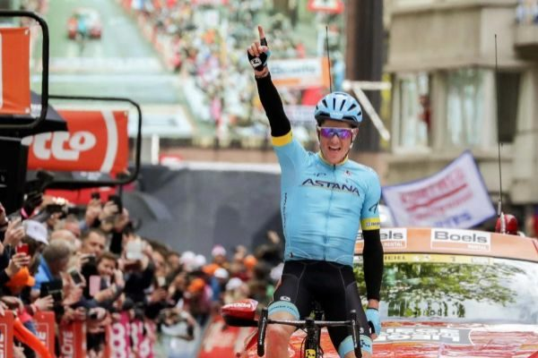 Liege (Belgium).- Danish rider Jakob <HIT>Fuglsang</HIT> of the Astana Pro Team celebrates while crossing the finish line to win the Liege Bastogne Liege one day classic cycling race in Liege, Belgium, 28 April 2019. (Ciclismo, Bélgica, Lieja) EPA/