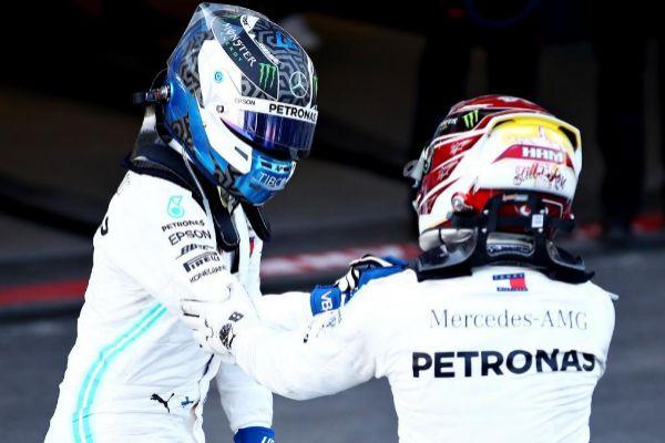Bottas y Hamilton, en Baku.