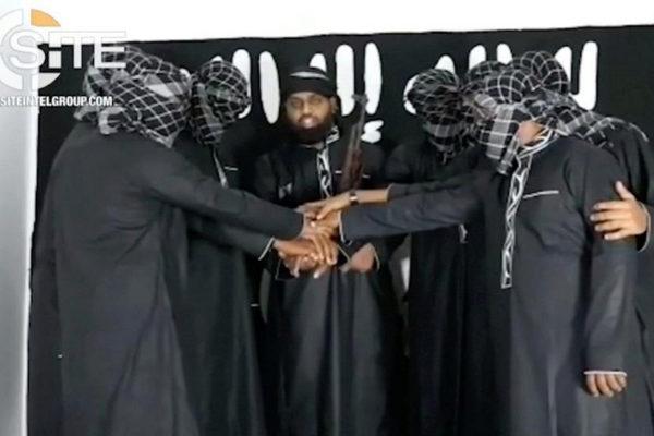 Varios de los atacantes suicidas de Sri Lanka vistos en un vídeo difundido por el Estado Islámico.