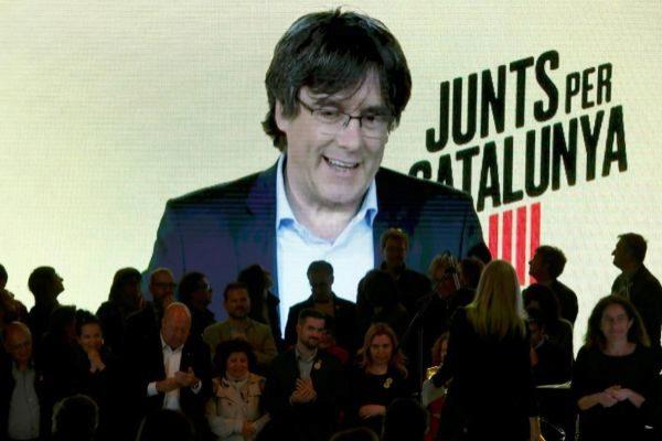 GRAF8457. BARCELONA.- El expresidente catalán Carles...