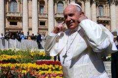 """El Papa pide a los peluqueros que no caigan """"en los cotilleos"""""""