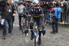 Valverde, antes de la salida de la Lieja.