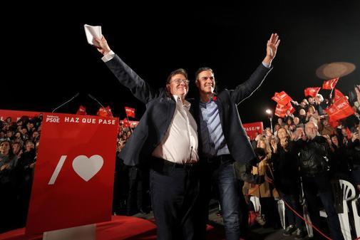 Puig y Pedro Sánchez, en un acto de campaña.