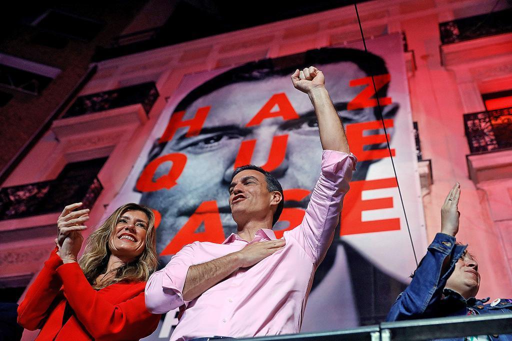 Pedro Sánchez celebra la vistoria del PSOE el 28-A.