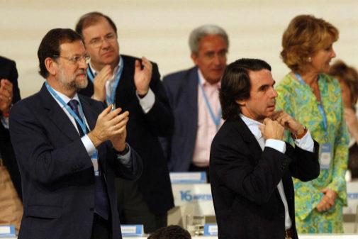 Mariano Rajoy y José María Aznar, en el Congreso de Valencia en 2008