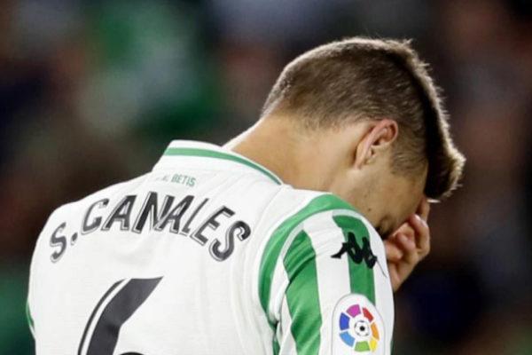 Canales se lamenta tras un error cometido frente al Espanyol.