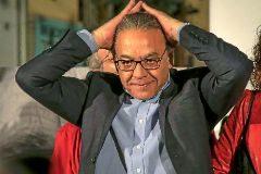 El vicesecretario general del PSPV, Manuel Mata, preso de los nervios en la noche electoral.