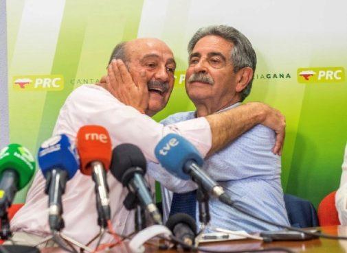 Miguel Ángel Revilla (dcha.), junto a José María Mazón, diputado del PRC.