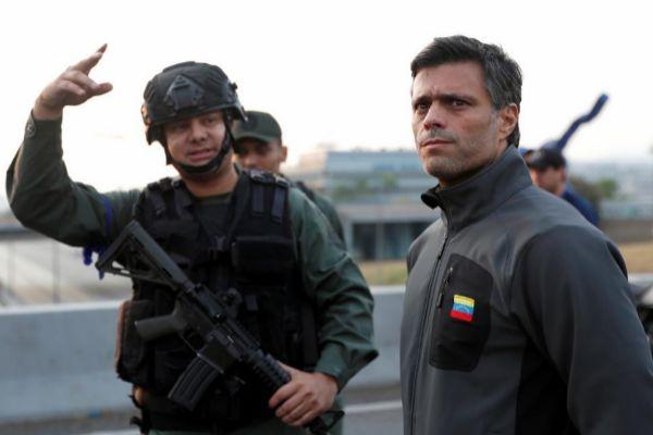 El opositor Leopoldo López en la base aérea de La Carlota (Caracas).