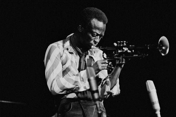 El músico estadounidense Miles Davis (1970).