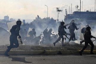 """Maduro: """"¡Nervios de acero! Los comandantes me han manifestado su lealtad"""""""