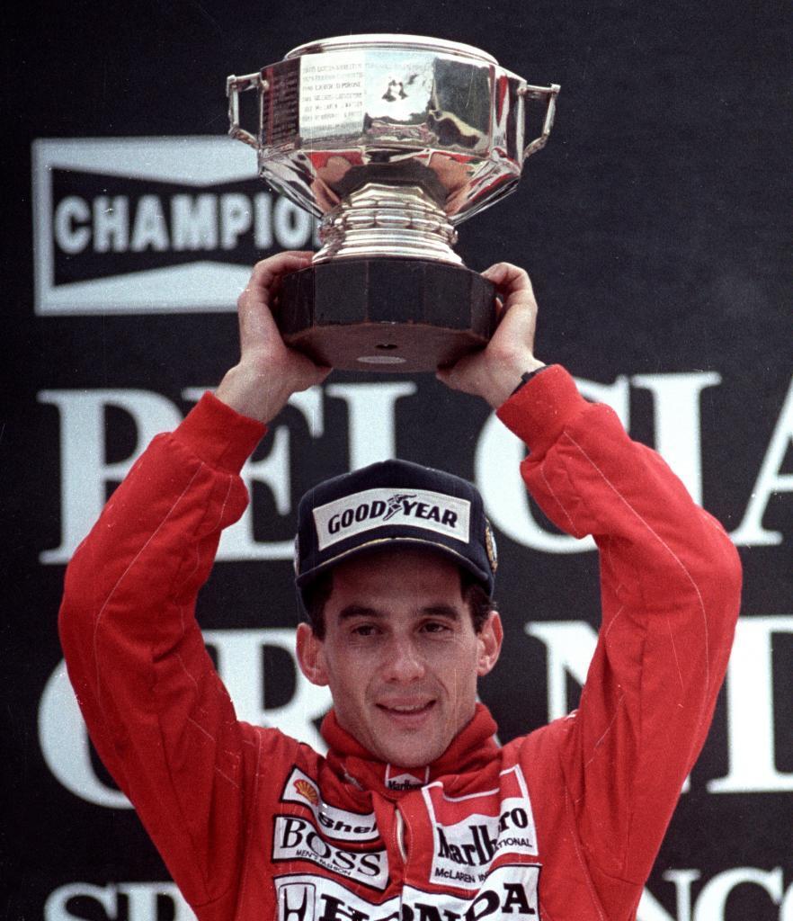 El piloto brasileño tras su victoria en el circuito de Spa en el Gran Premio de Bélgica en 1988. Aquí consiguió el brasileño cinco victorias a lo largo de su carrera