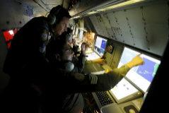 Fuerzas aéreas de Nueva Zelanda buscan con radar el vuelo MH370 en 2014.