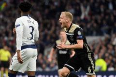 El Ajax también toma Londres