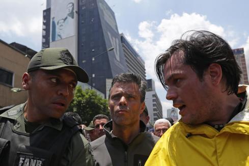 Exteriores confirma que Leopoldo López está en la embajada de España en Caracas