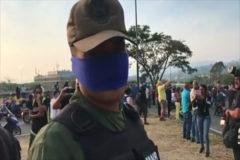 Soldado desertor: 'Solo los jefes están con Maduro'