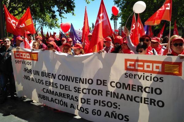"""Más de 1.000 personas se concentran en Palma para exigir """"la mejora de las condiciones laborales"""""""