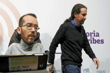 Echenique e Iglesias, el pasado domingo, en el Teatro Goya tras el escrutinio.
