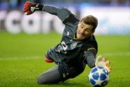 FILE PHOTO: Champions League - Group Stage - Group D - FC Porto v Schalke 04