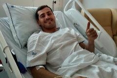 Iker Casillas tras la intervención médica