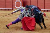 Doblón de Joaquín Galdós con el buen quinto de Torrestrella, ayer, en la Maestranza DE Sevilla