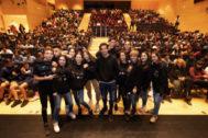 Acto con estudiantes para la difusión de la película 'Nada será igual'.