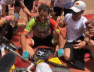 Chavanel,. exhausto, tras ganar la etapa en El Jorf.
