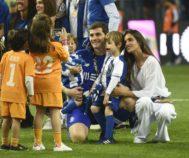 El matrimonio Casillas Carbonero con sus hijos