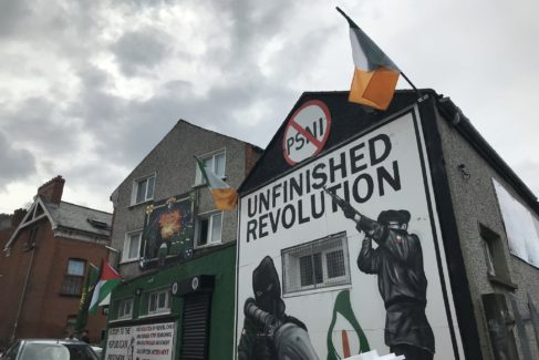 Sede del partido radical Saoradh, fundado por ex prisioneros del IRA.